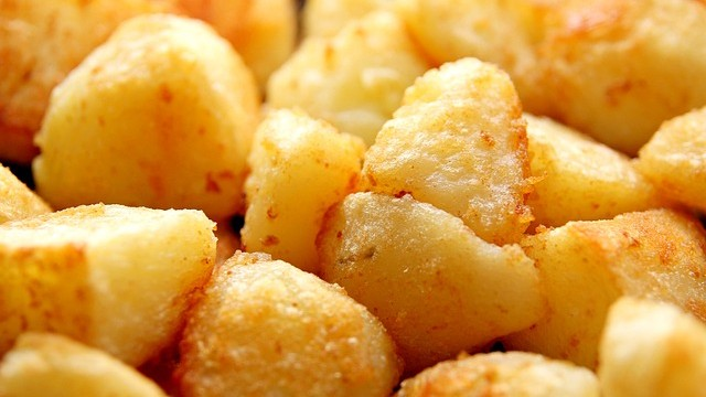Recipe for the perfect roast potatoes featured image
