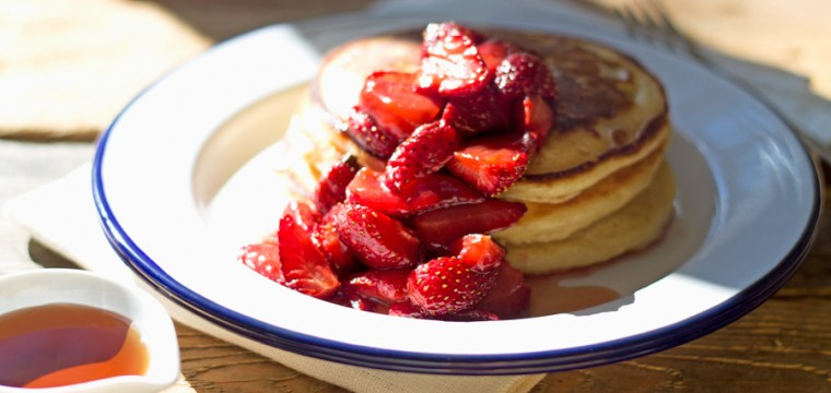 Warm balsamic strawberry pancakes featured image