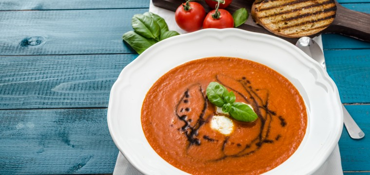 Tomato and balsamic soup (vegan) featured image