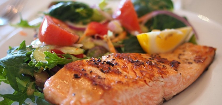 Grilled Salmon Salad featured image