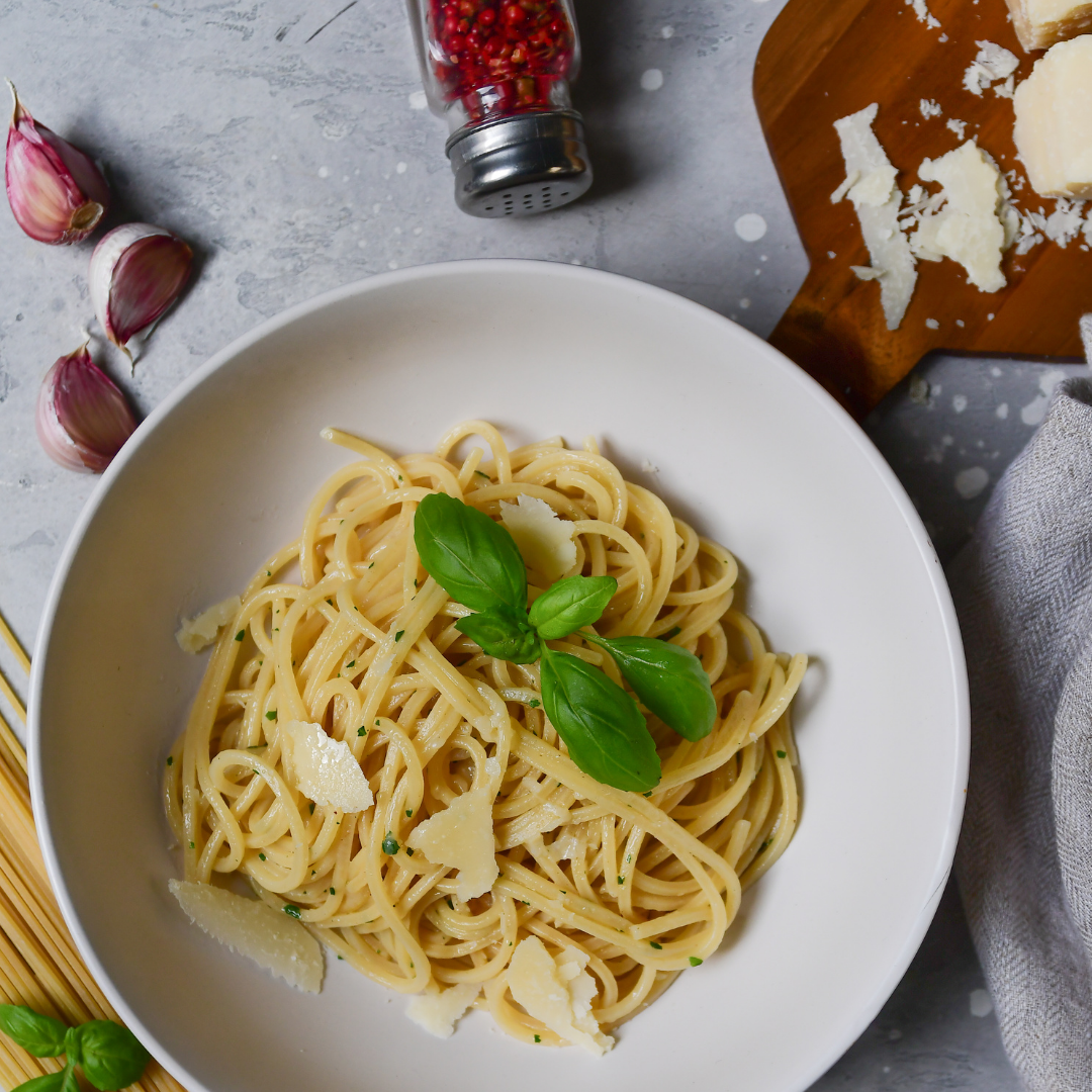 Spaghetti with olive oil featured image